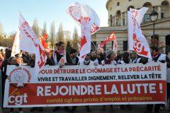 Participer à la manifestation des privés  d'emploi et précaires
